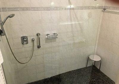 1 Duschkabine